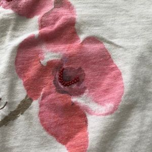 American Eagle Outfitters Tops - American eagles floral print t shirts